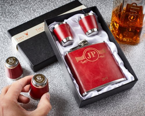 3 PIECE HIP FLASK AND (reveal) SHOT GLASSES
